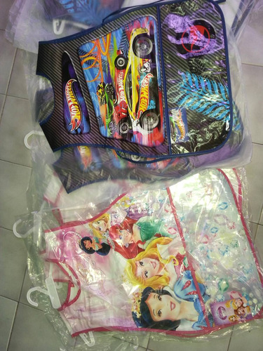 delantal manualid nino y nina hot wheels princesas plastico