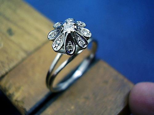 delicado ******chuveiro  de diamantes  em ouro branco