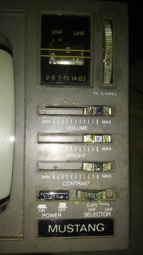 deluxe 5  portable b/w tv-am/fm radio colección 1993