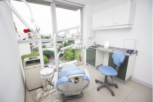 dentistas - implantes - extracciones - urgencias -endodoncia