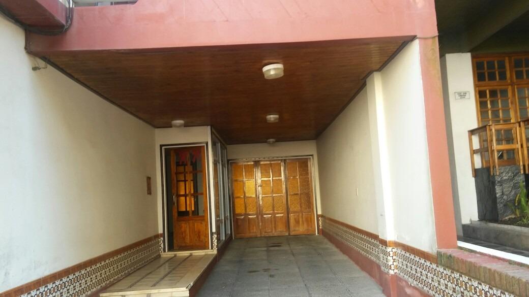 dep. 2 ambient. s/ chiozza,amplio c/balcones,parrilla, ascen
