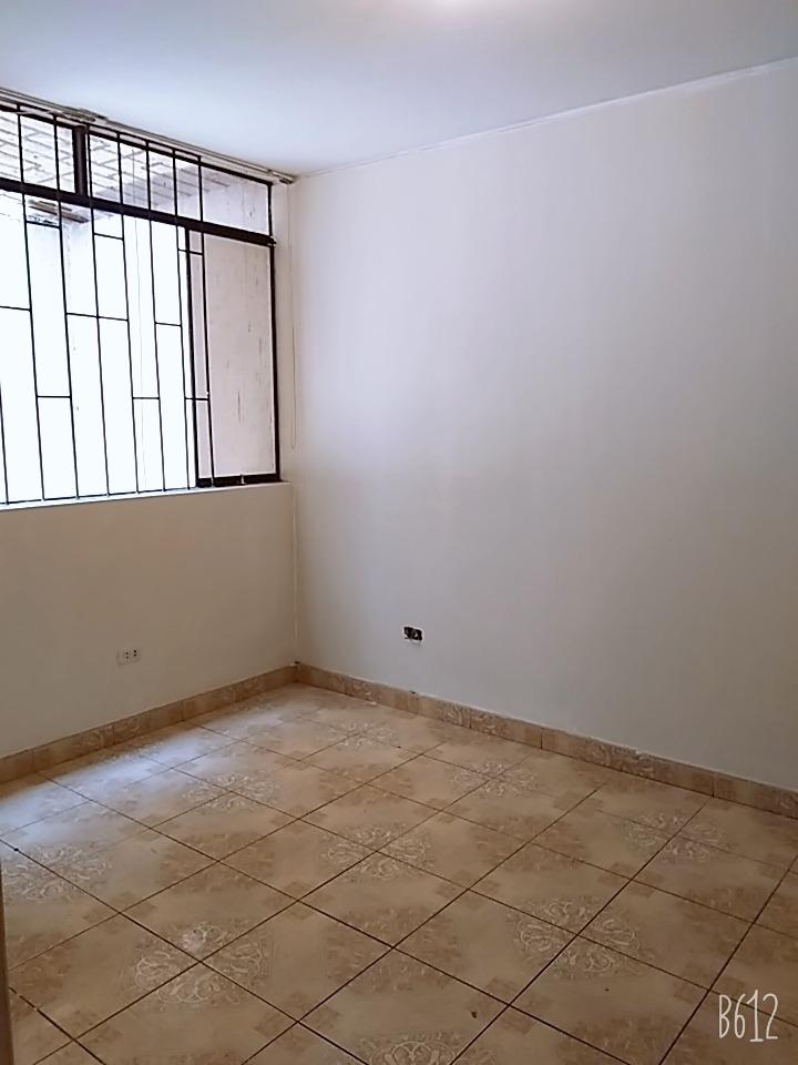depa 3 dormitorios 2do. piso comas