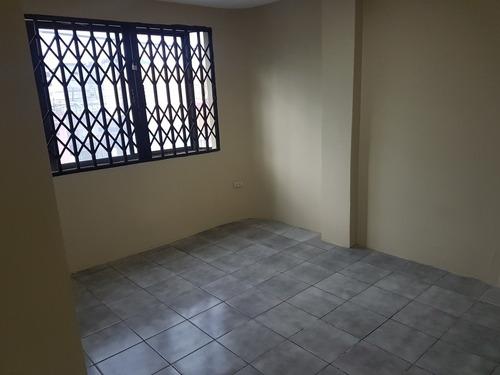 departamemto ,sala ,comedor ,lavanderia, 3 cuartos con baños