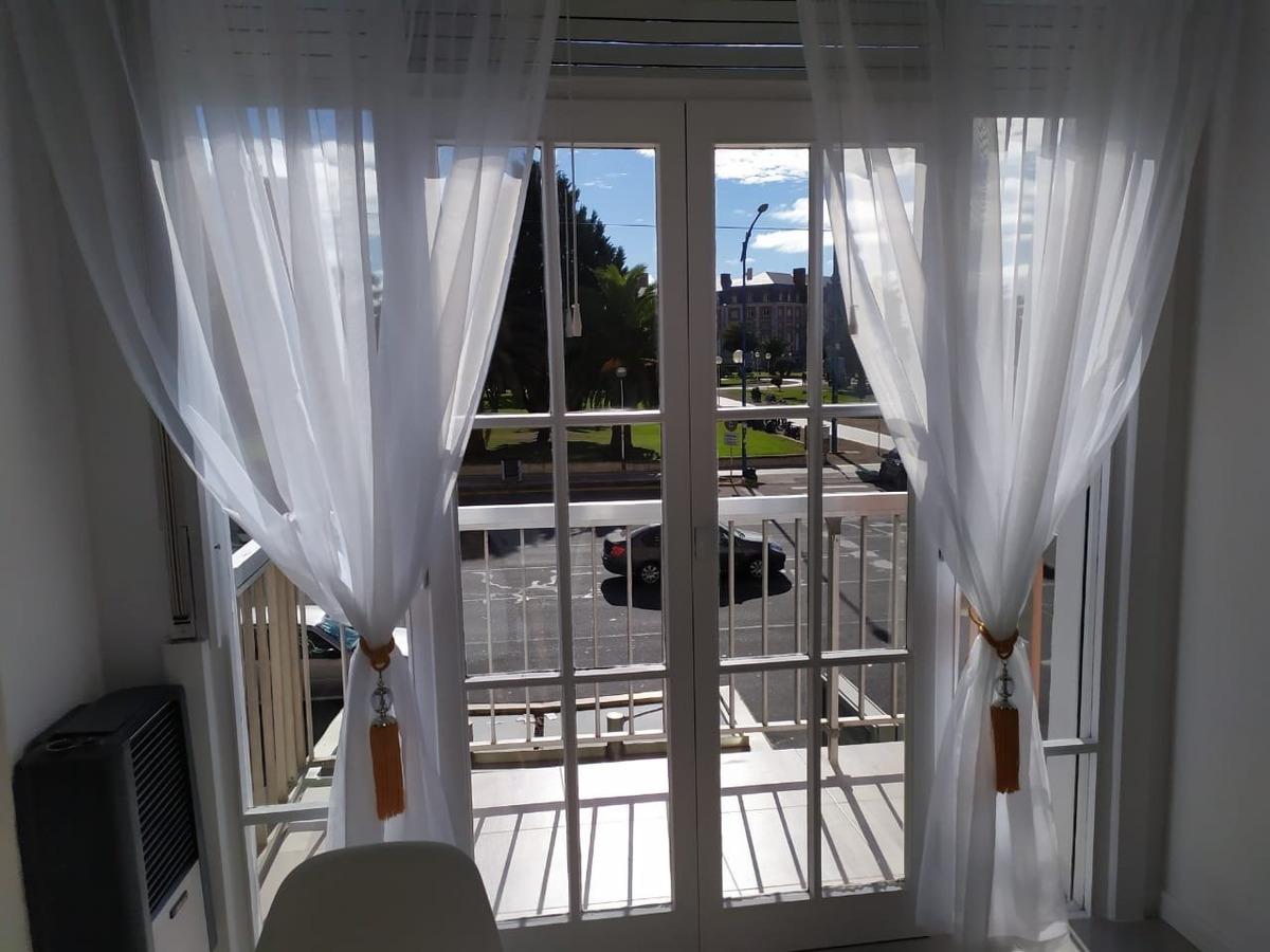 departamento 1 ambiente a la calle con balcón reciclado!!!