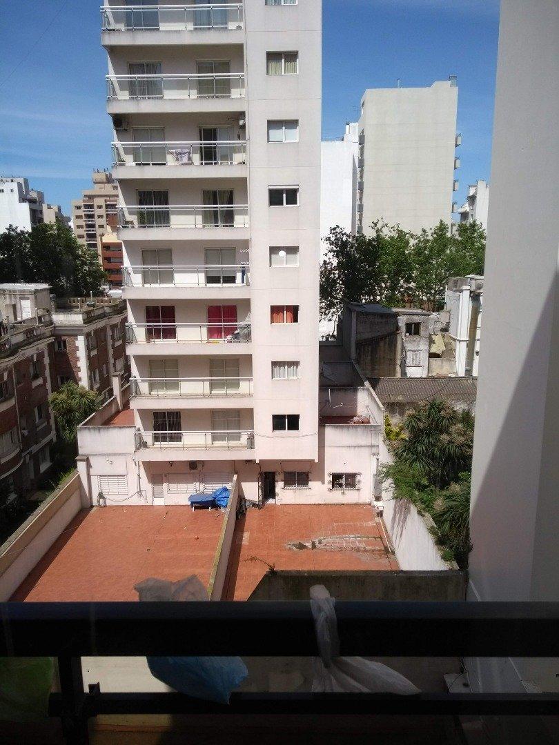 departamento 1  ambiente al c/frente con dos balcones