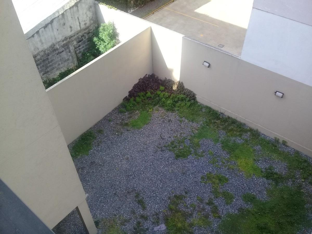 departamento 1 ambiente con balcon  2 cuadras de tribunales