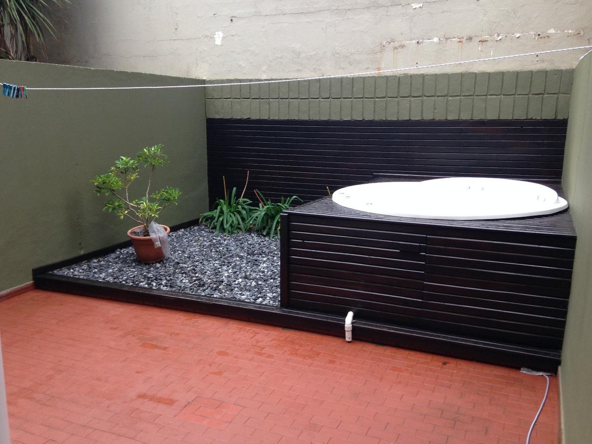 departamento 1 ambiente en planta baja con patio e hidromasajes al aire libre. zona torreon.