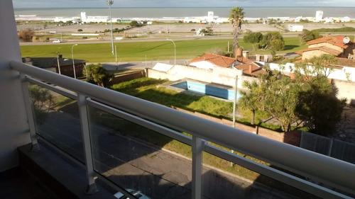 departamento 1 ambiente grande: vista lateral al mar