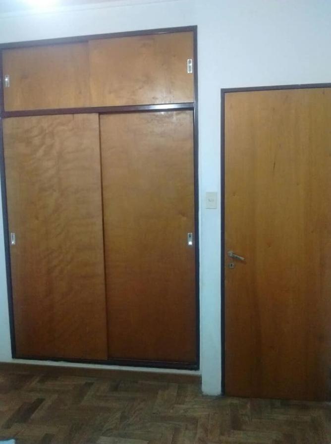 departamento 1 dormitorio al frente y 50 mts 2 totales - la plata