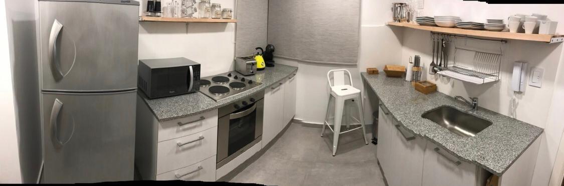 departamento 1 dormitorio al frente  y cochera cubierta-50 mts 2 - la plata