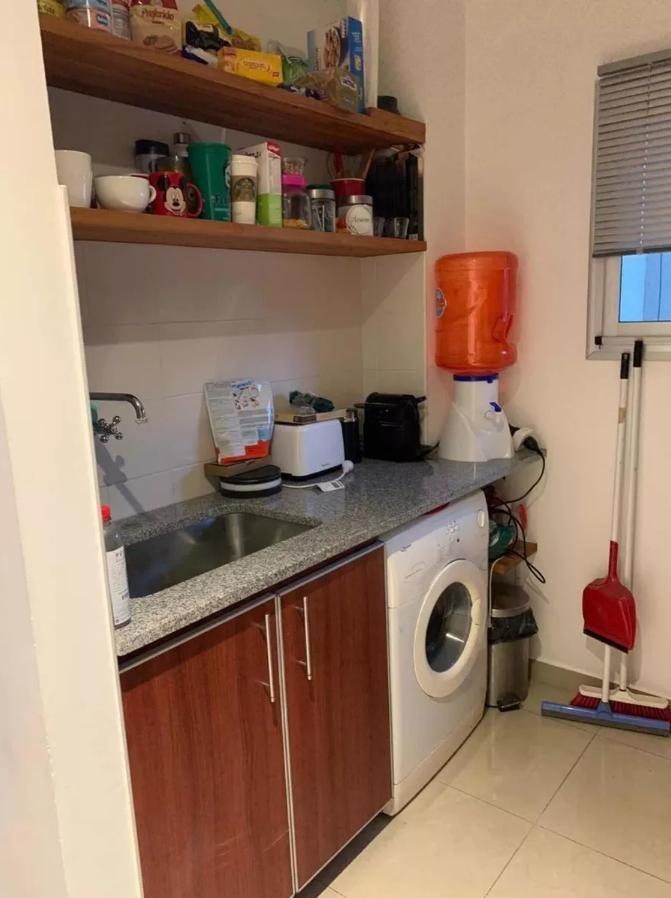 departamento 1 dormitorio al frente y cochera descubierta-50 mts 2 - la plata