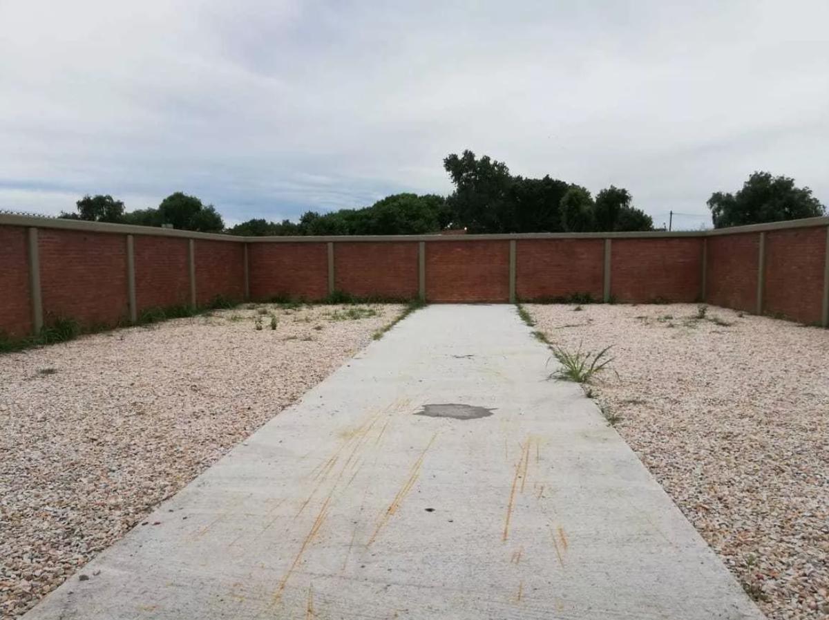 departamento 1 dormitorio, cochera descubierta y patio con parrilla -65 mts 2 - los hornos