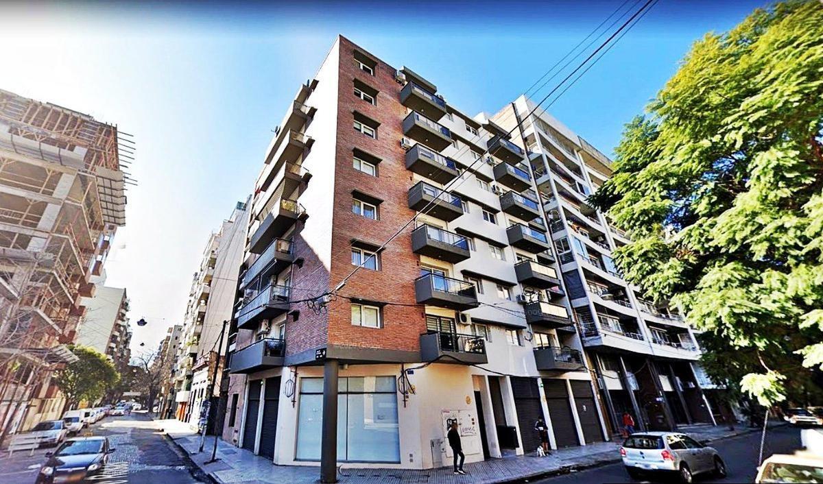 departamento 1 dormitorio con balcón al frente en barrio martin | terraza con parrillero