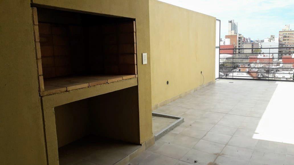 departamento 1 dormitorio con balcon al frente - ventilacion cruzada - terraza con parrilero - abasto