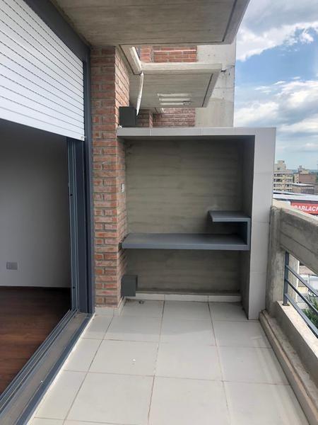 departamento 1 dormitorio con balcón, pichincha . ( opcional de cochera) .