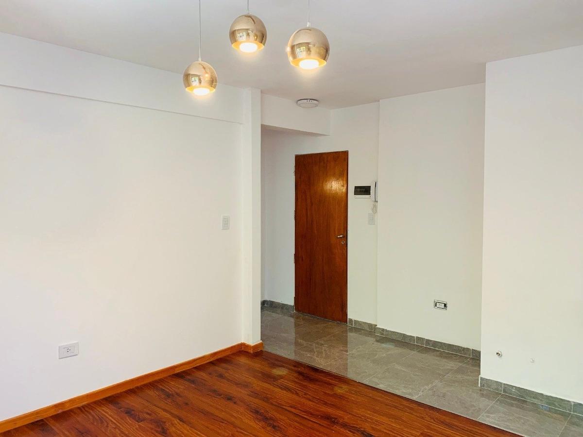 departamento 1 dormitorio en abasto - 1er piso
