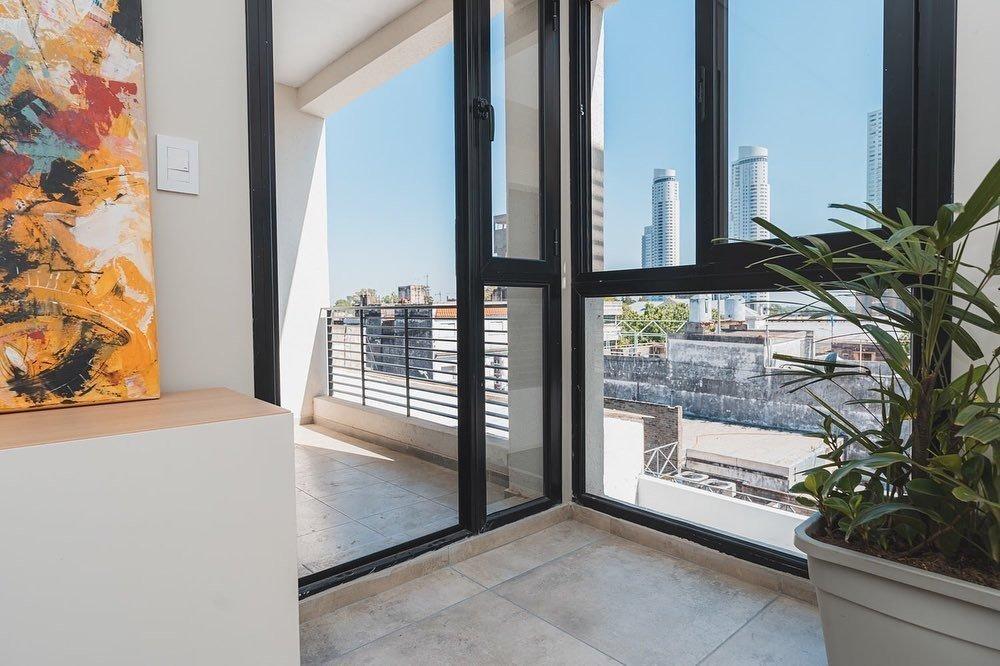 departamento 1 dormitorio en pichincha - pb con patio