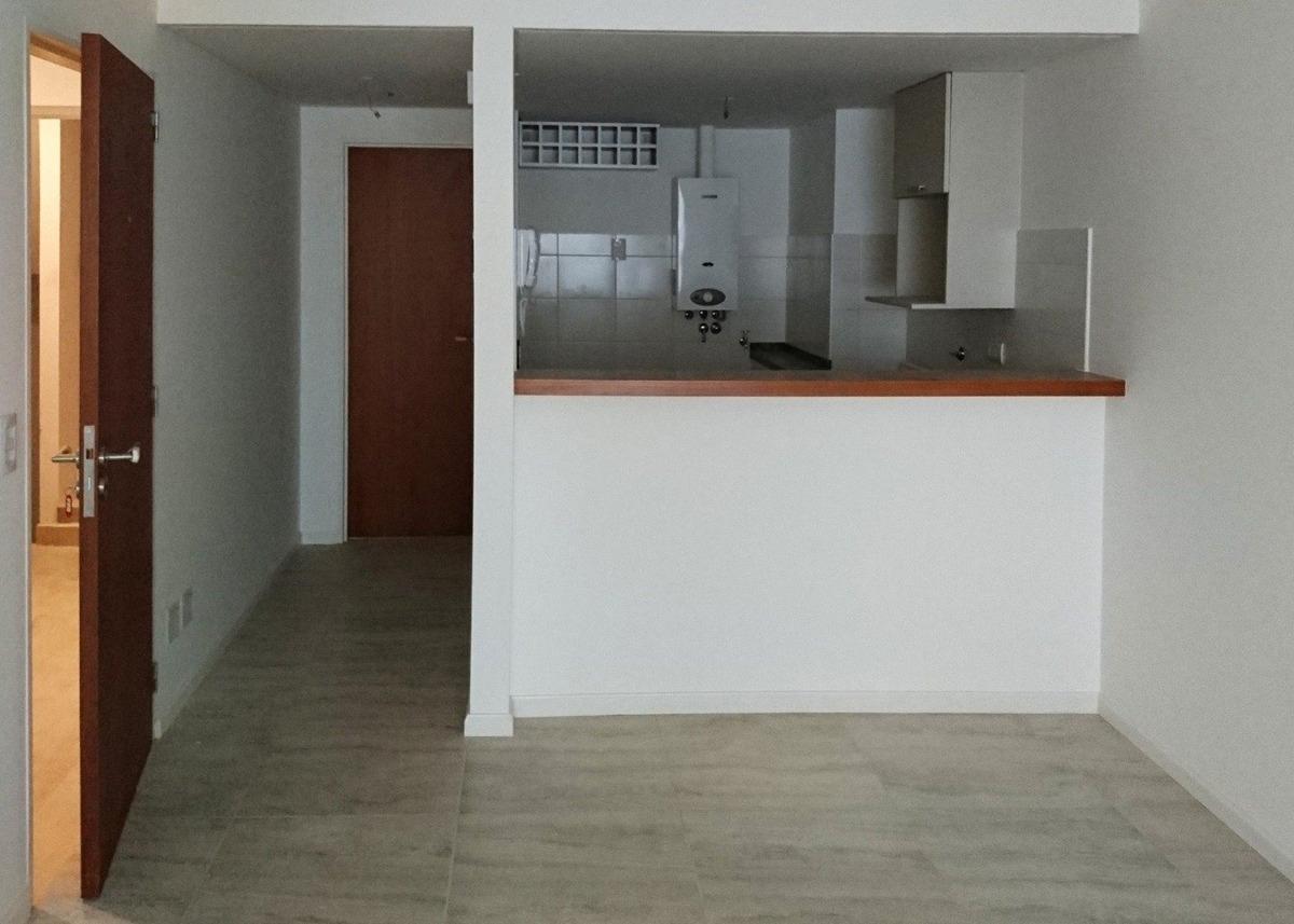 departamento 1 dormitorio - excelente calidad constructiva // zona monumento a la bandera