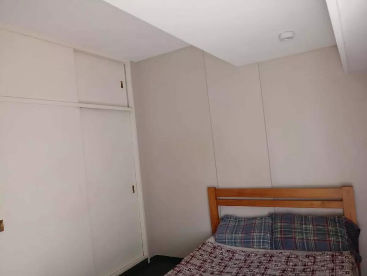 departamento 1 dormitorio y cochera -contra-frente- la plata