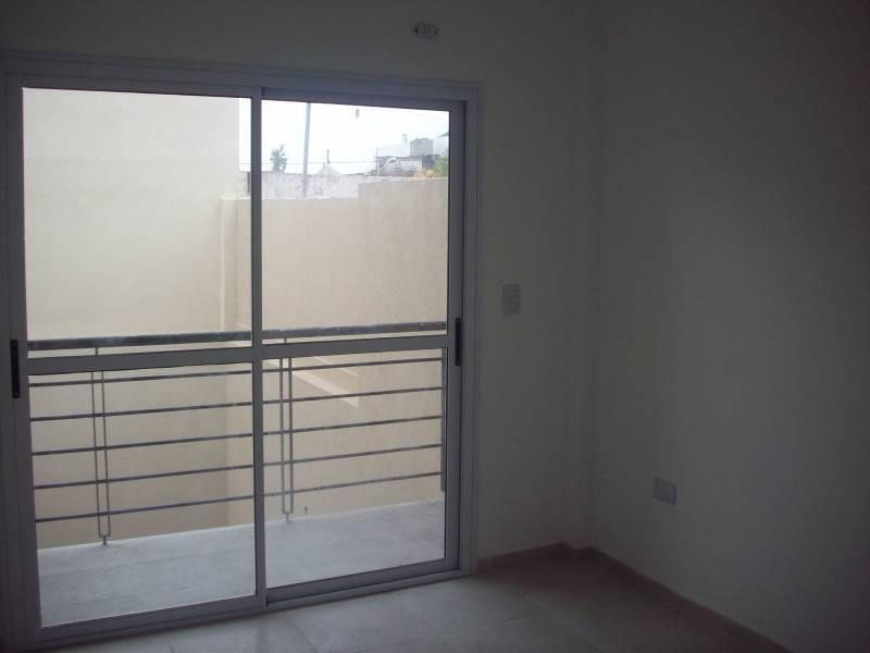departamento 2 amb 80 m2 cochera patio jardin ramos mejia