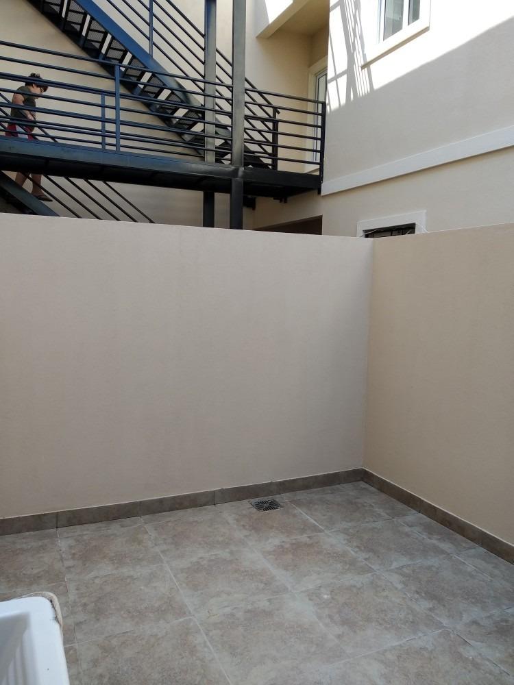 departamento 2 amb c/patio y cochera en venta en ramos mejia