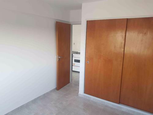 departamento 2 ambientes  1 cuadra estacion palomar