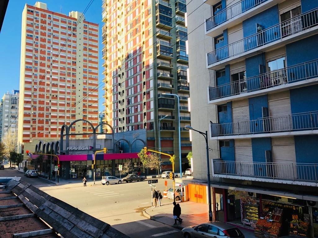 departamento 2 ambientes a la calle en zona centro en venta