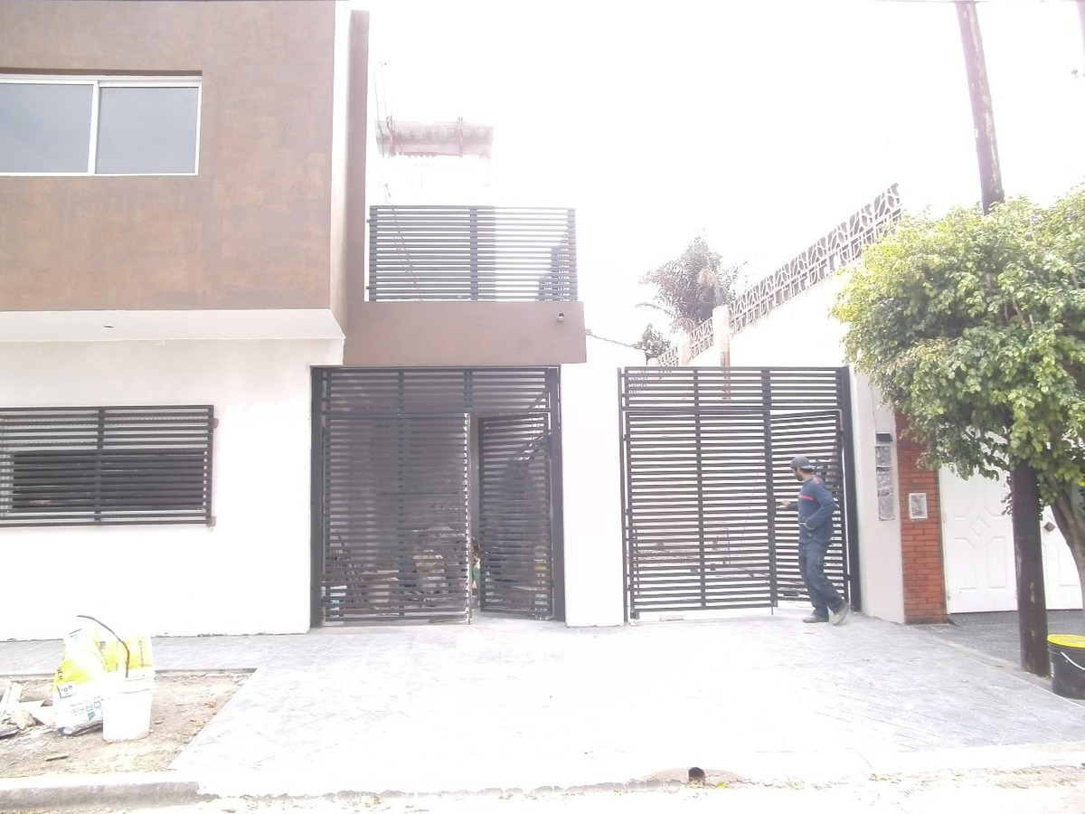 departamento 2 ambientes al frente pb c/ cohera y patio
