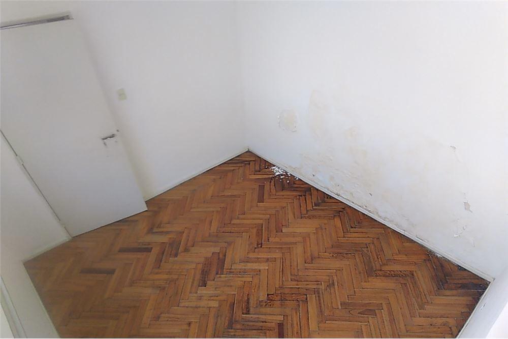 departamento 2 ambientes boedo c patio primer piso