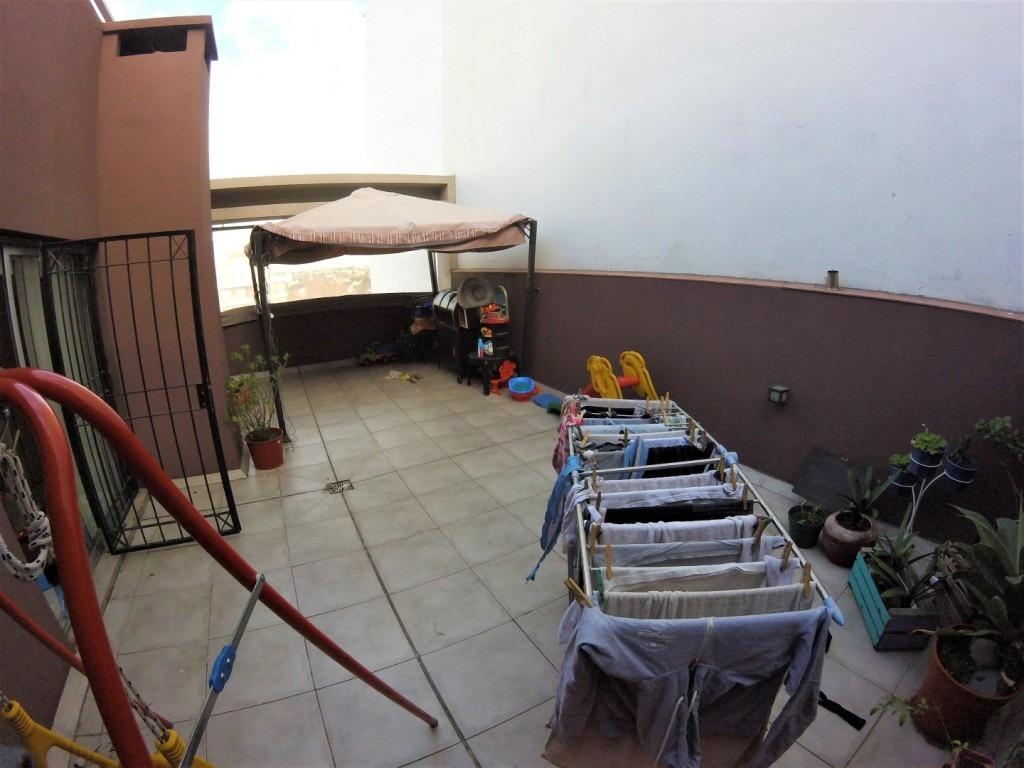 departamento 2 ambientes centrico con terraza propia // venta // haedo