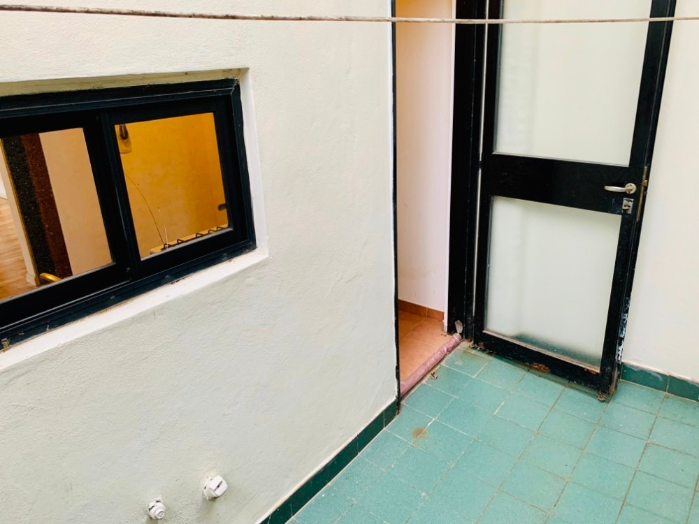 departamento 2 ambientes con balcón + patio + cochera cub.