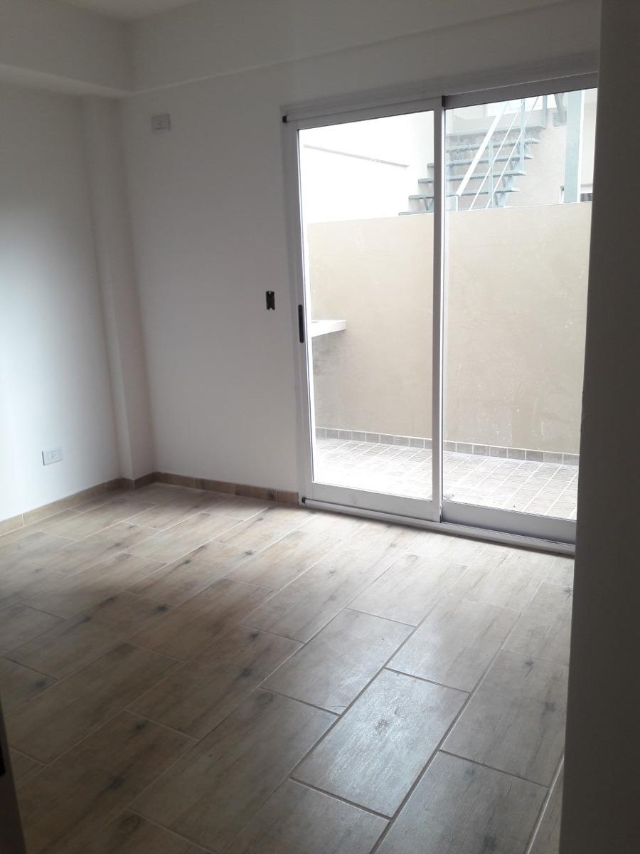 departamento 2 ambientes con cochera en villa luzuriaga