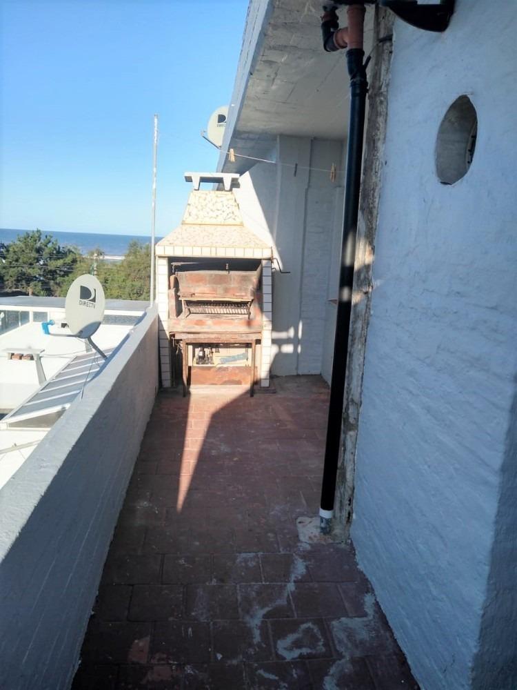 departamento  2 ambientes con cochera frente al mar.