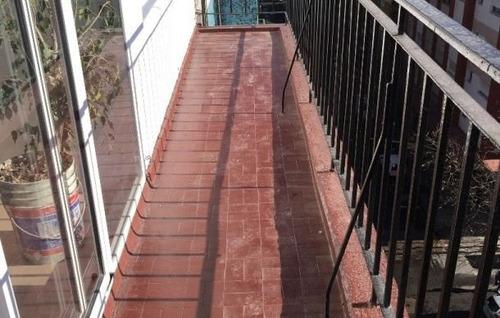 departamento 2 ambientes con dependencia en venta. balcon. reciclado. zona centro