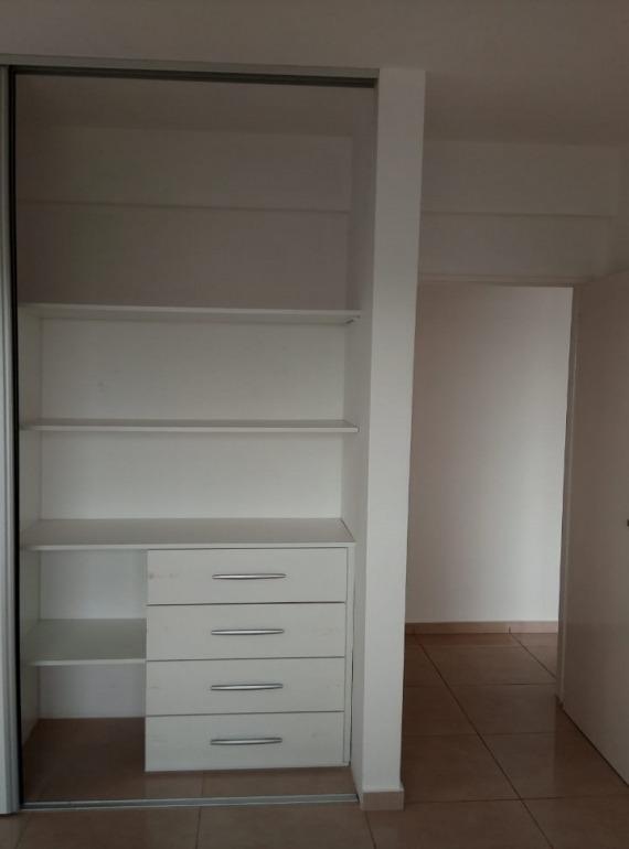 departamento 2 ambientes con doble cochera - caseros norte.