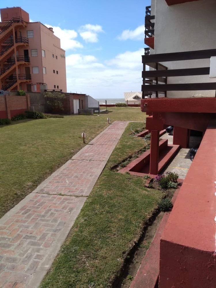 departamento 2 ambientes con salida exclusiva a playa
