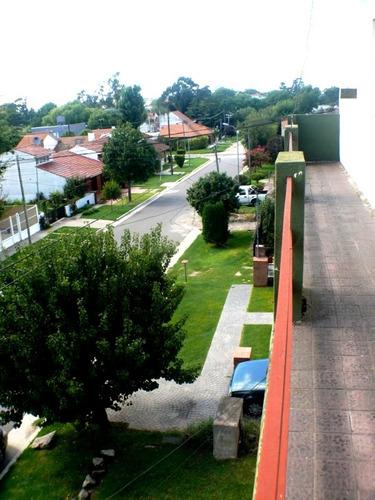 departamento 2 ambientes, con terraza propia