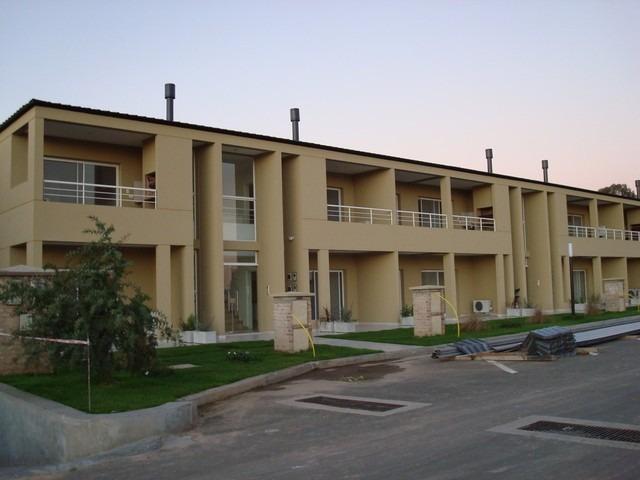 departamento 2 ambientes en altos de hudson 2- berazategui