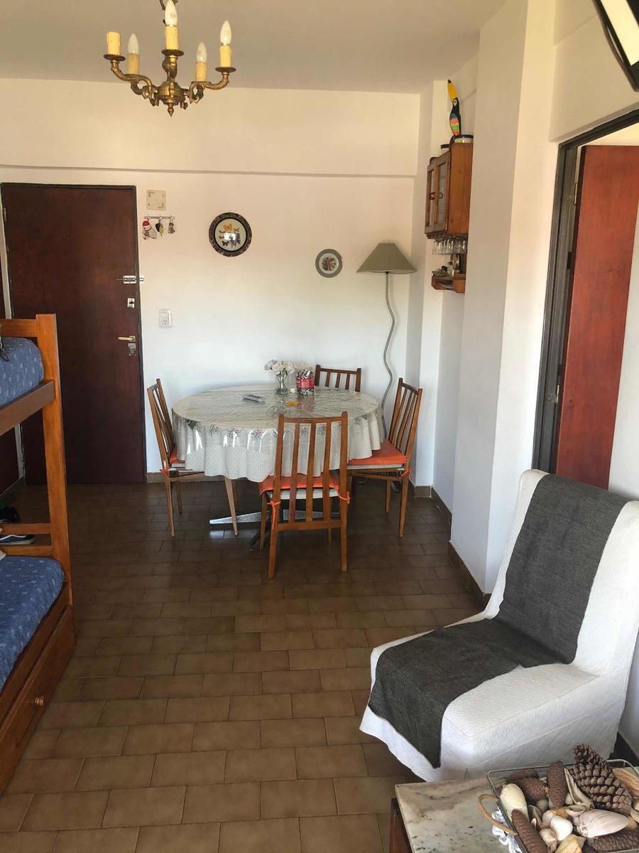 departamento 2 ambientes en primer piso
