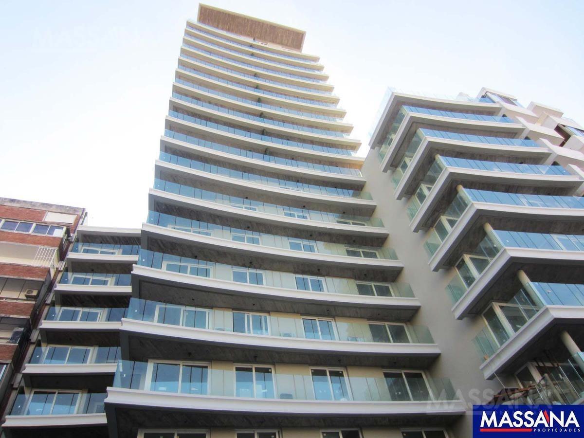 departamento 2 ambientes en torre de categoría - barrio norte
