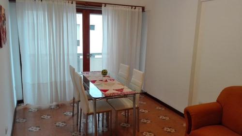 departamento 2 ambientes lateral externo  con balcon saliente