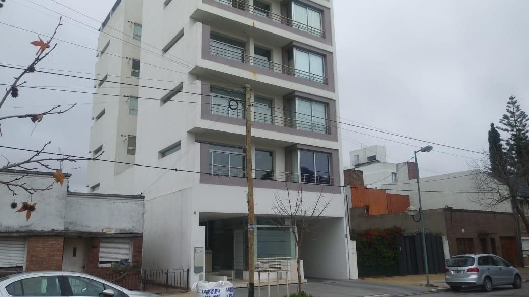 departamento 2 dormitorios, 2 baños y cochera -apto banco- barrio norte