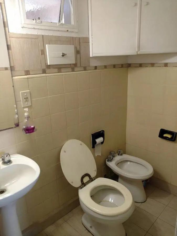 departamento 2 dormitorios al contra-frente -60 mts 2 - la plata