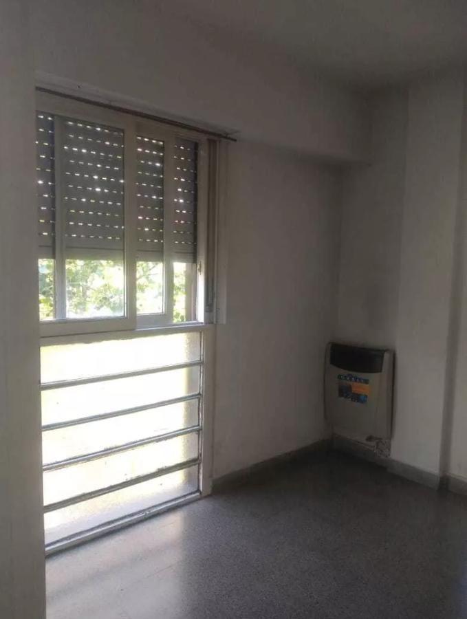 departamento 2 dormitorios al frente  -60 mts 2- la plata