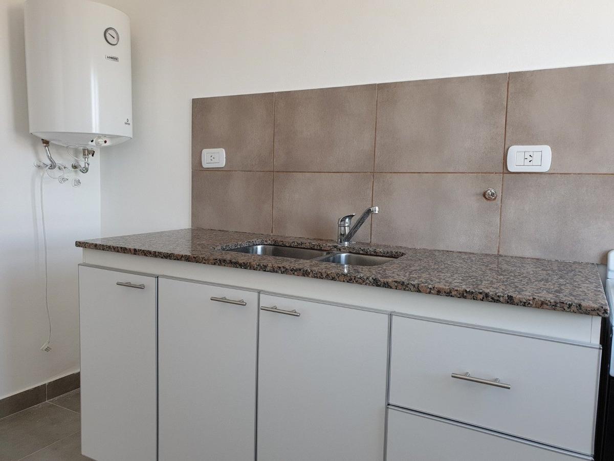 departamento 2 dormitorios amplio y luminoso con ventilacion cruzada / 2 baños