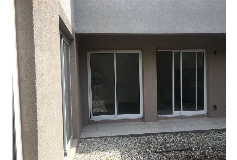 departamento 2 dormitorios arroyito patio
