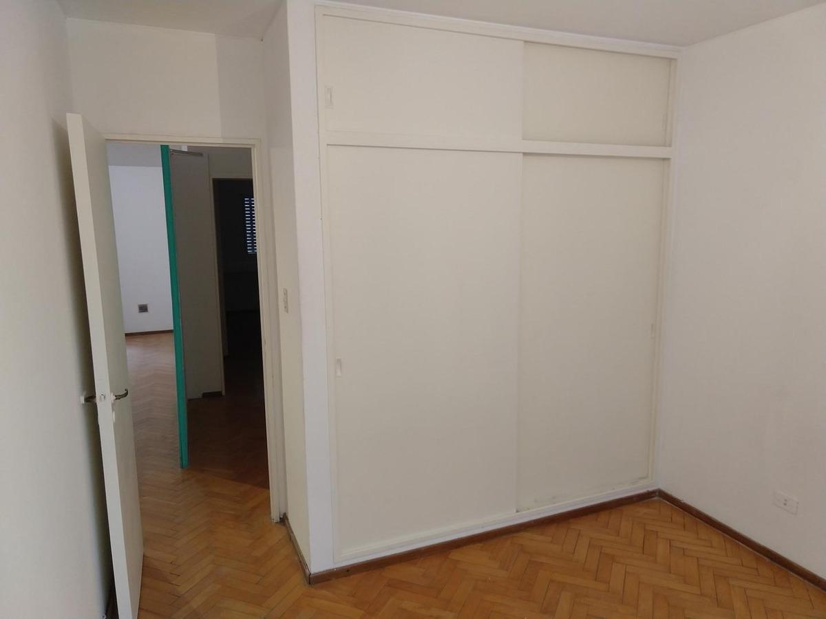 departamento 2 dormitorios con patio balcón -paraguay 1100-