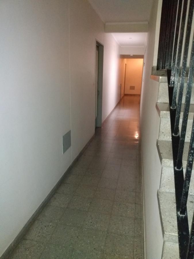 departamento 2 dormitorios y 70 mts 2 al contra-frente- la plata