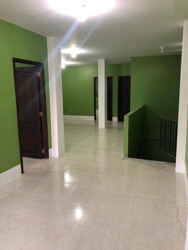 departamento 2do piso con 3 cuartos y 2 baños con garaje