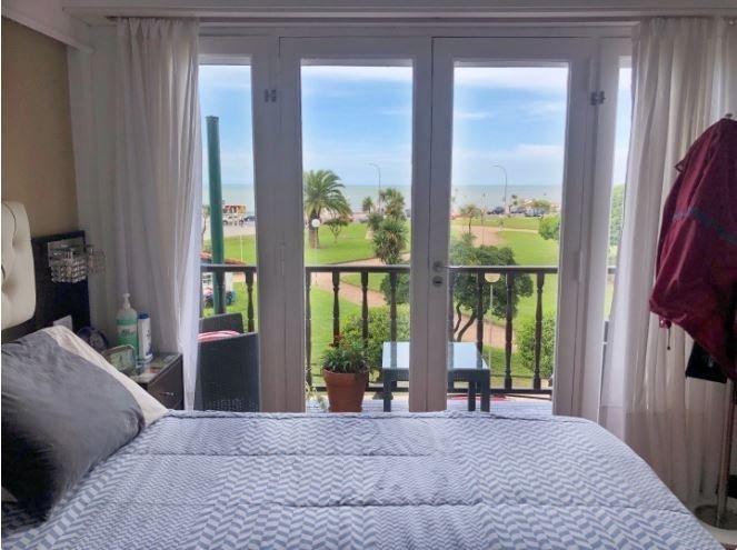 departamento 3 ambientes con balcón y vista al mar